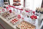 Mesa dulce en Blanco & Rojo