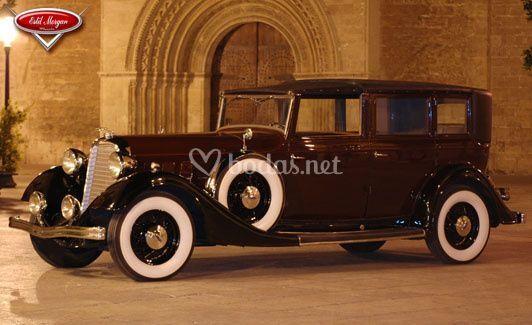 Lincoln de 1.934 modelo KB (Burdeos y negro)