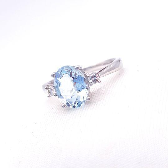 Sortija de diamante aguamarina