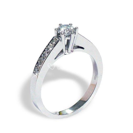 Solitario oro diamantes