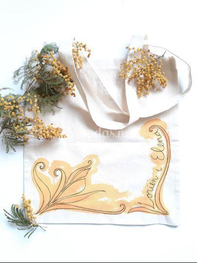 Bolsa de tela pintada a mano