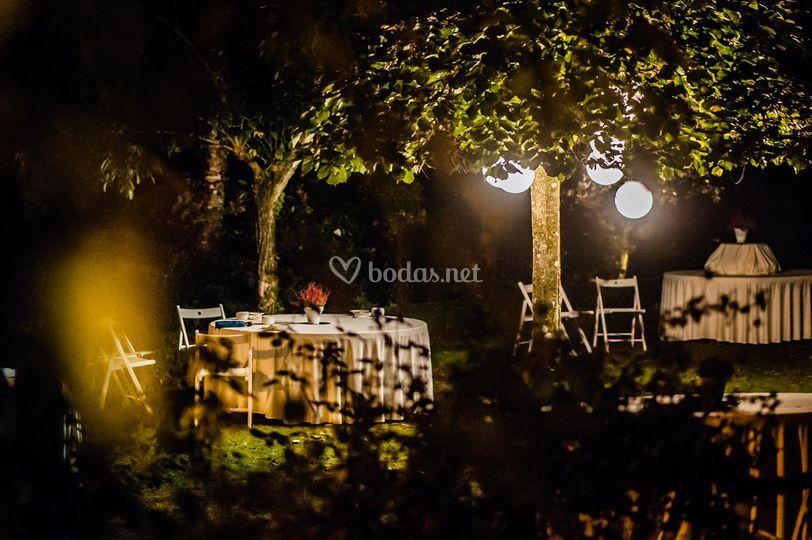 Aperitivo jardín noche