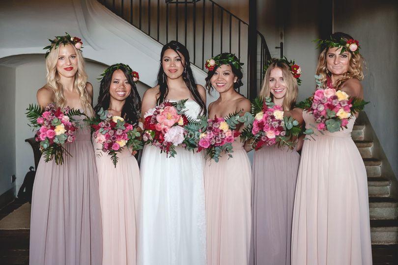 Bride+bridesmaid