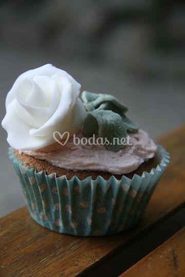 Cupcake Rosa Blanca