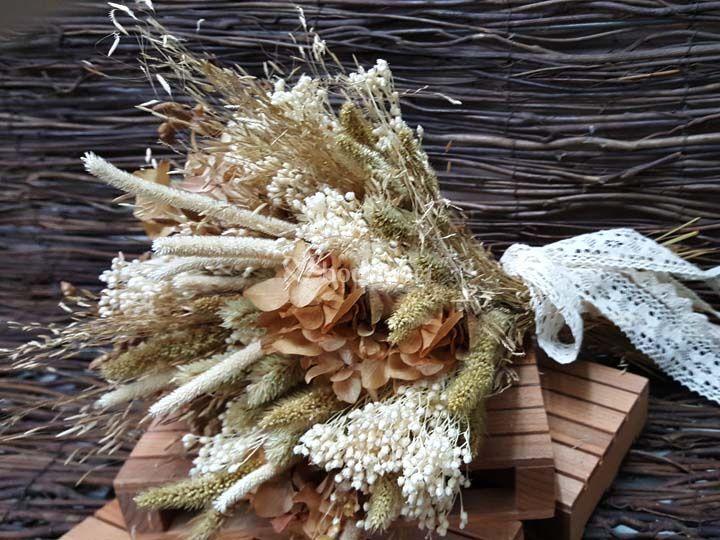 Flores novias y damas honor