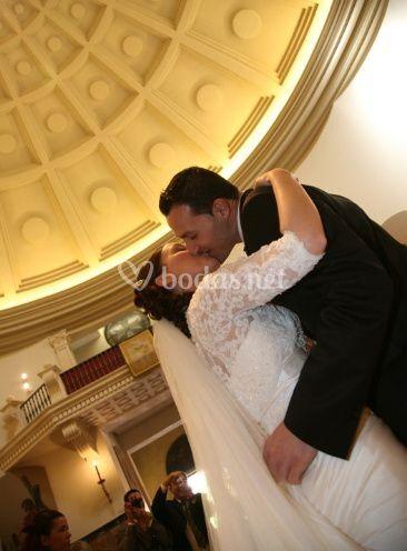 El prmer beso de casados