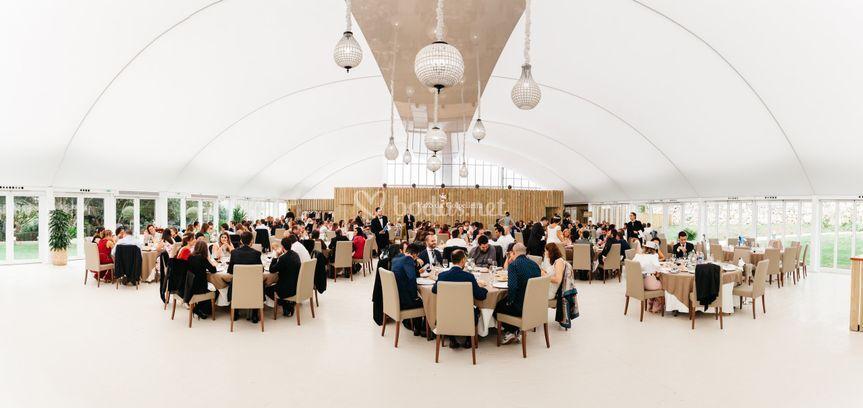 Amplio y luminoso salón