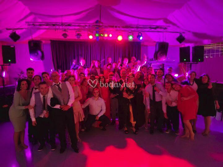 El grupo en una boda