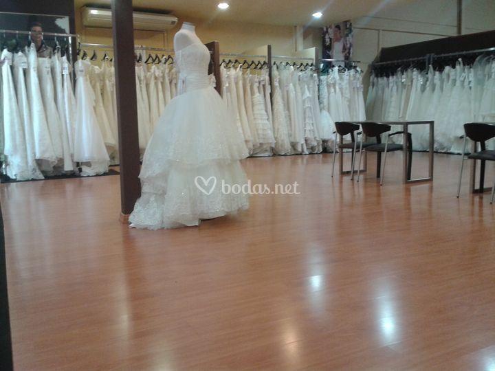 Vestidos de novia poligono santa barbara malaga
