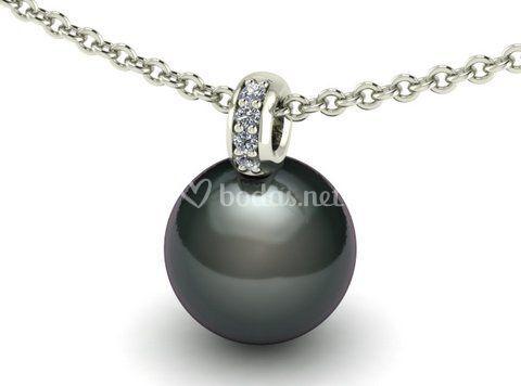 Perla taithi y diamantes