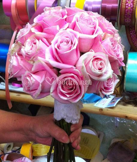 Ramo de novia sencillo de rosa