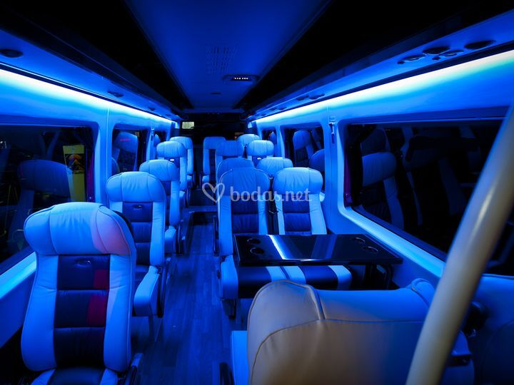 Servicio buses con mesas