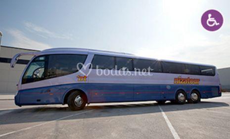 Autocar de 71 plazas