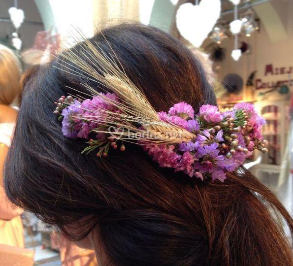 Tocado de flores naturales