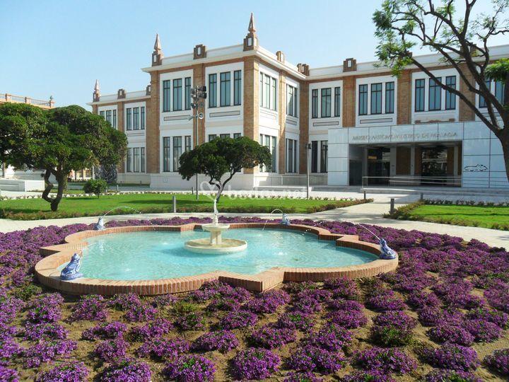 Fachada jardín Museo
