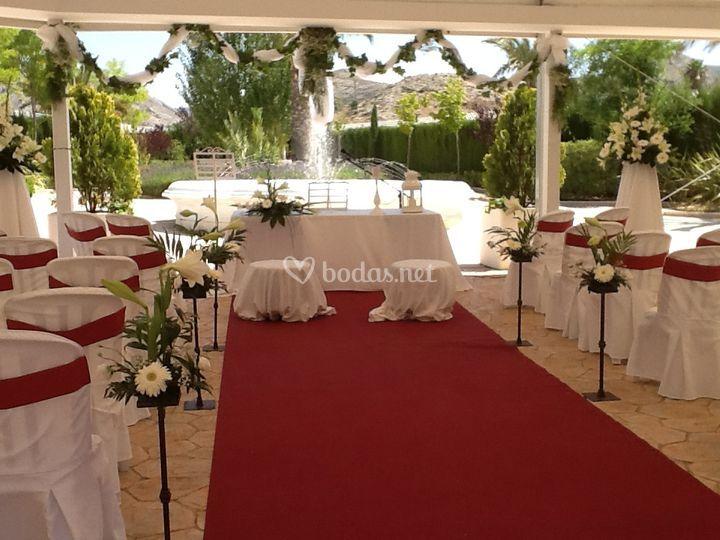 Ceremonia Roja con jardín