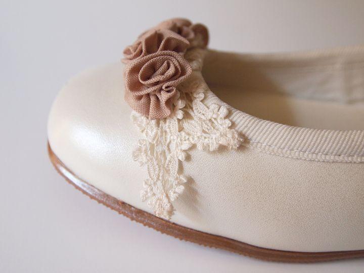 Adornos zapatos. SANTA EULALIA