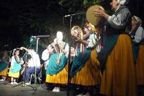 Grupo de Coros y Danzas La Encinilla