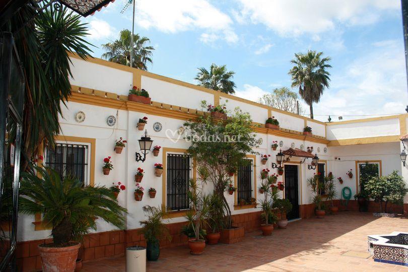 Patio andaluz de cortijo de juan foto 34 - Fotos patio andaluz ...
