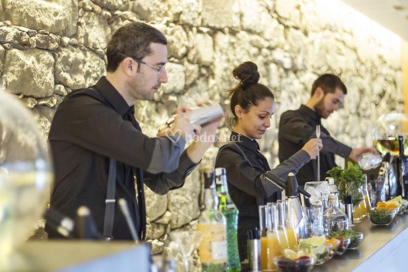 Barra en una boda de Gintònic Events - Catering de coctelería