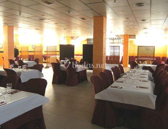Amplia sala para banquetes