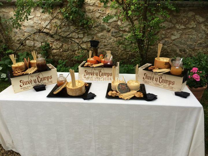 Mesa con quesos
