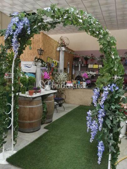 Arco de flor artificial