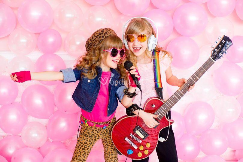 Niñas guitarristas