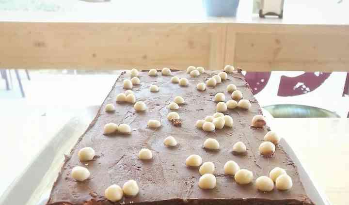 Brownie de chocolate con almendras