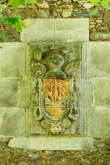 Escudo en fachada