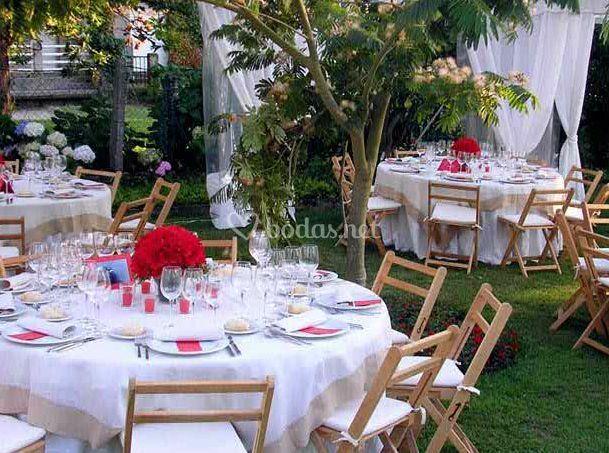 Decoramos las mesas de tu banquete