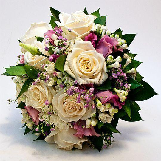 Bouquet boubardias y rosas