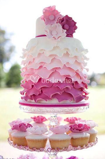 Tarta Ruffle con cupcakes