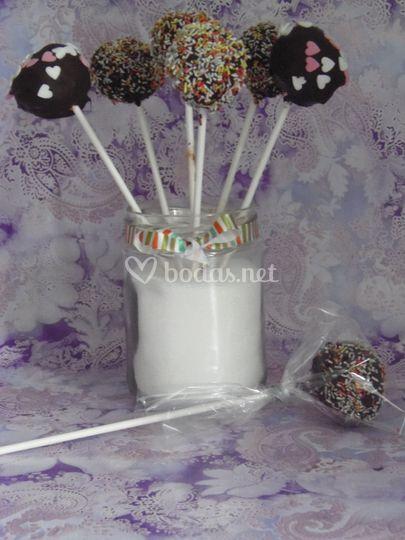 Cakepops chocolate y confetti