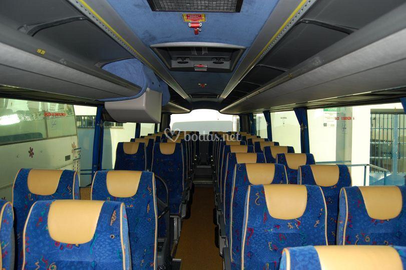 Volvo B 12 B para 54 personas