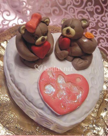 Tarta con osos y corazón