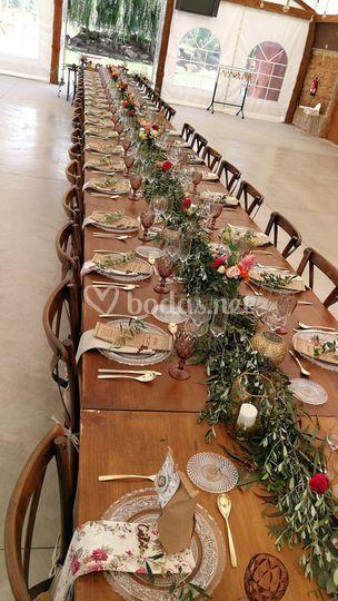 Mesas con sillas crosback