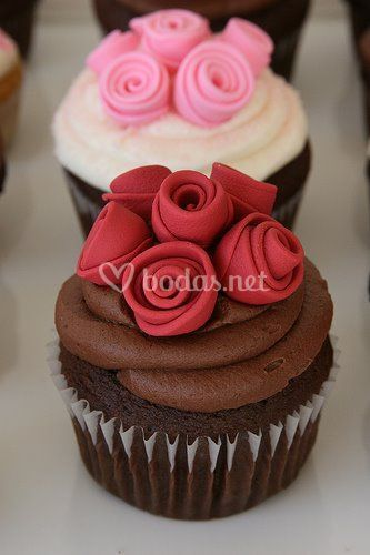 Cupcakes con detalles de rosas