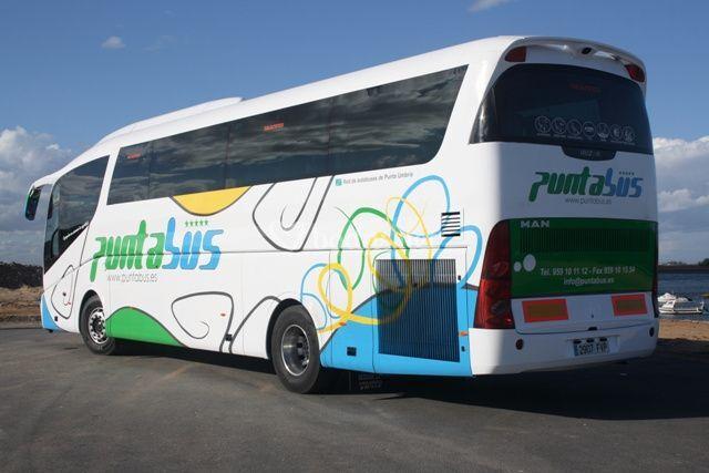 Capacidad para 55 pasajeros