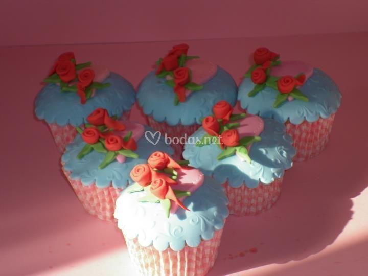 Cupcakes rosas rojas