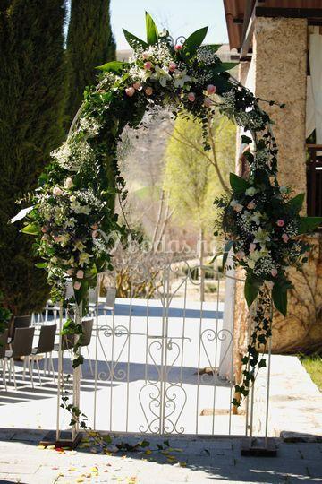Arco con Flores Naturales
