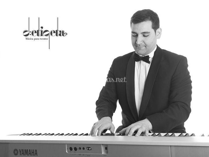 Detiqeta - Piano
