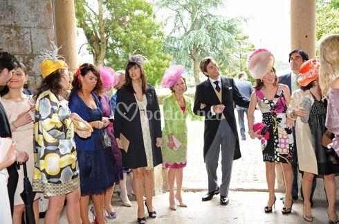 El novio con los invitados