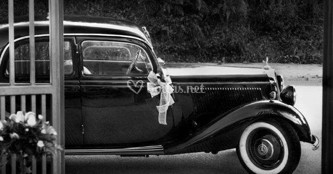 El coche de los novios