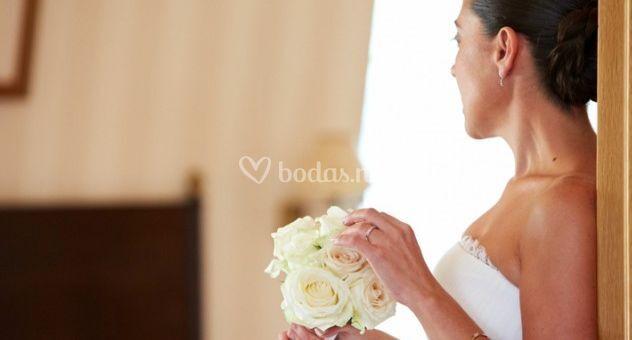 Novia y bouquet
