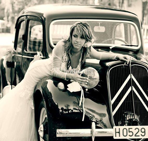 La novia y el coche