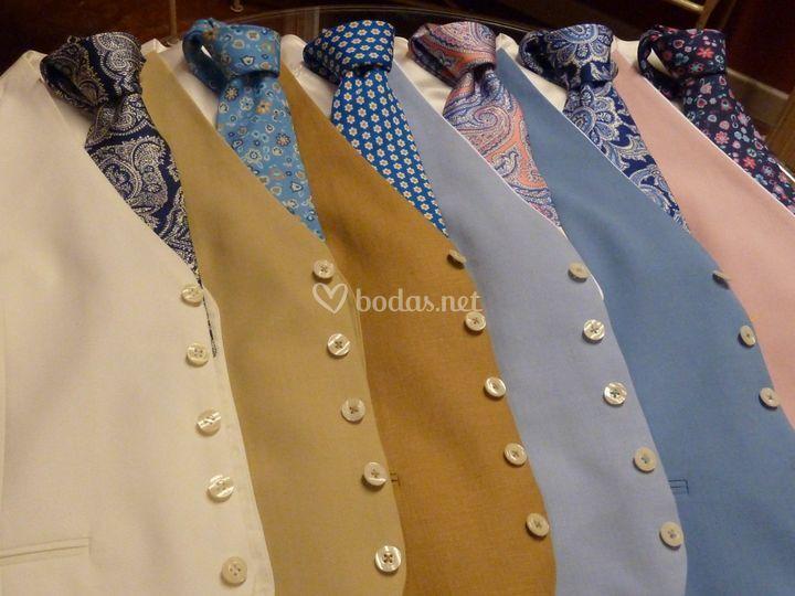 Conjunto chaleco y corbata