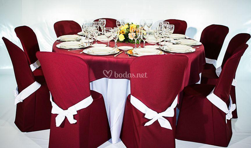 Montaje de mesa en rojo