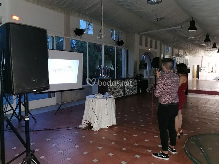 Clientes y el karaoke
