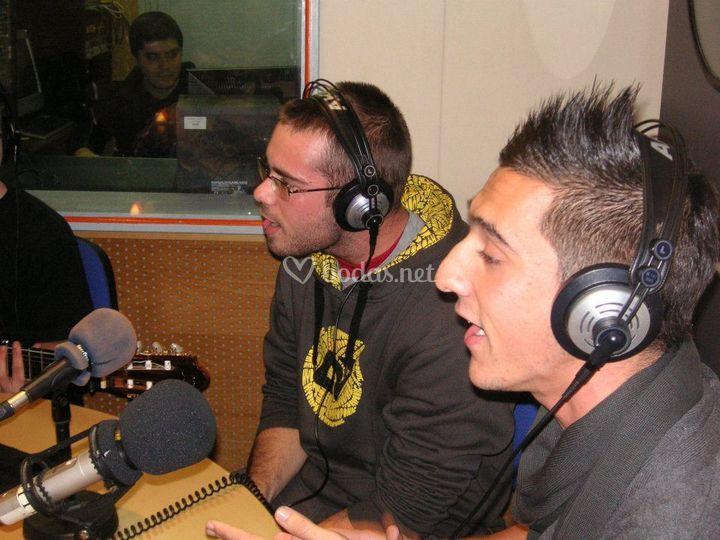 Entrevista en la radio